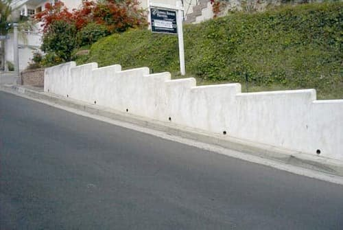 Weep Holes In Retaining Wall (1)